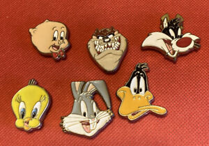 Vtg Lot 6 Looney Tunes BUTTON COVERS original Sylvester Bugs Daffy Tweety Porky