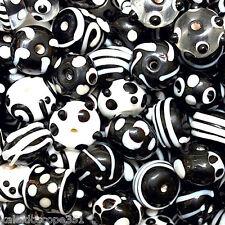FANCY GLASS BEADS BLACK WHITE MIX SWIRLS TUBES SAUCERS STRIPES 25 PCS FG15