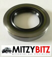 MITSUBISHI L200 K74  01-06 REAR DIFFERENTIAL PINION OIL SEAL FRONT