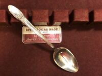 RARE VINTAGE: 1847 ROGERS BROS IS SILVERPLATE FIRST LOVE DINNER SPOON SILVERWARE