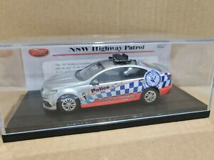 Trax 1/43 NSW Police Force Highway Patrol Car VF Holden Commodore Silver TRR14