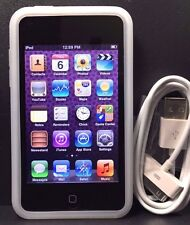 Apple iPod Touch 3rd Generation (64 GB) Works 100% / Case Bundle / Free Shipping