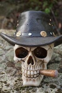67064  TETE MORT  FIGURINE  CRANE COWBOY AVEC  CIGARE SQUELETTE   GOTHIQUE SKULL