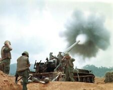 "U.S. Soldiers fire M107 175mm self propelled gun 8""x 10"" Vietnam War Photo 225"