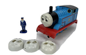 Lionel G Scale Thomas the Tank Engine from the Lionel 8-81016 Train Set. Faces.