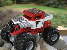 Hot Wheels Monster Jam Custom Atlanta Falcons Bone Shaker 1 24 scale