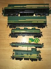 Athearn John Deere HO Scale Train Set Collectors Edition 2000 #1 With F45 Loco