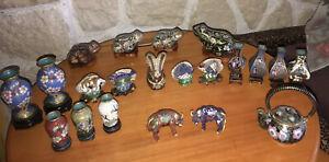 Lot 21 Figurines Animalières Et Petits Vases En Bronze Emaux Cloisonnés Chine