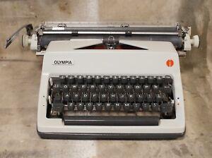 vintage Olympia SM9 XL Wide TYPEWRITER 1970 * 11cpi Elite UK £ * Clean