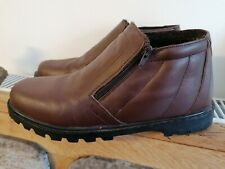 Worn a few times mens brown faux leather with soft fluffy lining sz 11 / 45