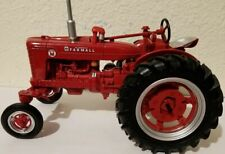 1/16 Farmall Super M Wide Front Prestige Tractor
