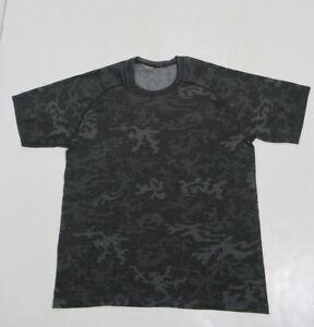 Lululemon Men's Metal Vent Tech Short Sleeve Camo Multi Grey Size M Stretch
