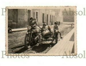 FAMILY PHOTO MOTORCYCLE & SIDECAR SPAIN VINTAGE 1920S