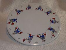 Rare dessous de plat en porcelaine blanche à décor tournant de petits marins TBE
