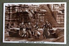 CPSM. CAMBODGE. Angkor Vath. Danseuses royales au pied d'un escalier. Fleury.
