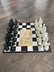 Vintage 1959 Renaissance Chessmen by E.S. Lowe Chess Set  - Missing white knight