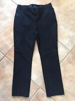 Chico's SO SLIMMING Womens Sz 0.5 Crop Pants Pull On Black Rayon Nylon Spandex
