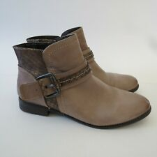 Tamaris Size 7.5 Ankle Boots Booties Leather Side Zip Heels Brown Gold Buckle