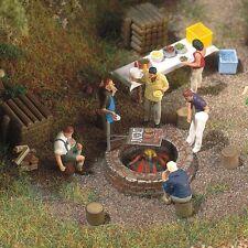 Busch 5407 Campfire Scene Plastic Kit - HO/00 Gauge - Tracked 48 UK Post