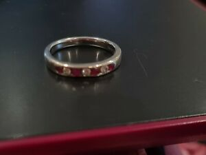 Ruby and diamond ring 9ct White Gold