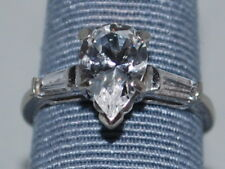 14k White Gold ring with CZ and a beautiful design