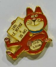 PINS CHAT SPA LYON REFUGE ANIMAUX METAL EPAIS RIK CURSAT DESSINATEUR