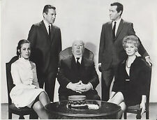 "Alfred Hitchcock / John Forsythe / Frederick Stafford (Setfoto '69) ""Topaz"""