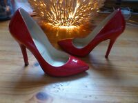 Christian Louboutin Pumps 38 High Heels Lack Rot