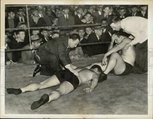 1935 Press Photo Wrestlers Gino Garibaldi and George Zaharias in Albany, NY