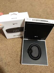 Nike+ Fuelband SE, Medium/Large, Black/Grey