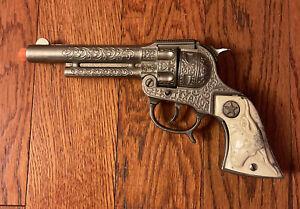 VINTAGE 1950'S HUBLEY TEXAN JR CAP GUN Western Cowboy Original Bull - READ