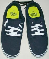 FADED GLORY NAVY BLUE CANVAS PADDED TONGUE & COLLAR CASUAL SHOE BOY SIZE 5 NEW