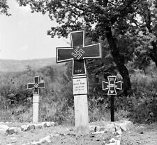 WW2 Photo WWII  German Soldiers Cemetary Italy 1944 World War Two  / 4137
