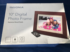 "INSIGNIA 10"" LED DIGITAL PICTURE FRAME W/REMOTE - ESPRESSO FINISH NEW IN BOX"