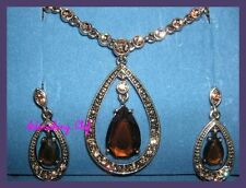 AVON TOPAZ COLORED TEARDROP GIFT SET NECKLACE EARRINGS SET NEW