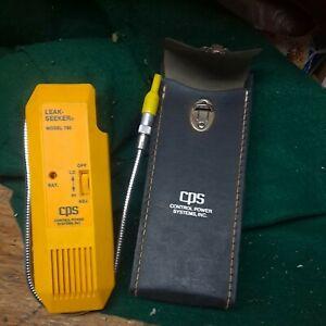 CPS LEAK SEEKER Model L-780 Leak Detector Handheld Tool with case