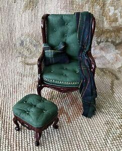 Dollhouse Miniature Green Leather Chair Seat W/Pillow, Drape Stool Ottoman 901