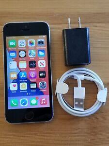 Apple iPhone SE - 64GB - A1723 - Space Gray - GSM UNLOCKED - (item#207)
