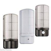 Outdoor Bulkhead Wall Light 7 Watt Integrated LED Photocell / PIR Sensor 4000K