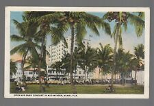[50258] OLD POSTCARD OPEN AIR BAND CONCERT IN MID-WINTER, MIAMI, FLORIDA