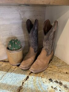 Womens Ariat Western Boots Size 8 WOW!