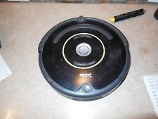 810 Great Used iRobot ROOMBA 561 - Silver/Black - Robotic Vacuum Cleaner