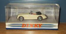 La colección Dinky Matchbox DY036/A Jaguar XK150 Drophead Coupé Crema