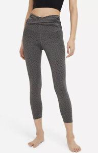 Nike Women's Yoga Dots Twist 7/8 Tights Sz. Small NEW CZ9144-010.