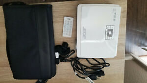 Acer K330 LED projector in great functional and cosmetic condition