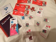 London Olympic 2012 Mix Of LOCOG Badges , Gamesmaker Notepad And Tea Towel