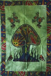 Indien Green Color Mushroom Frog Design Wall Hanging Tapestry Twin Size Hippee