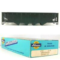 UNDECORATED 40' QUAD HOPPER  Athearn  1749 HO Scale