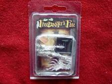 Freebooter's Fate  AMA011 Xicoa (Amazons) Warrior Female Mystic Leader Miniature