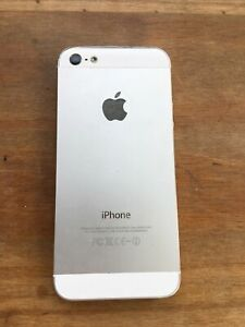 Apple iPhone 5 - 16GB - White & Silver (Unlocked) A1429 (GSM)